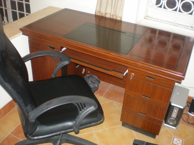 Thanh lý bàn ghế giám đốc Đẹp như mới – Giá chỉ bằng 1 nửa