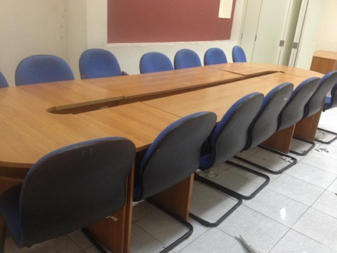 Bàn ghế giá rẻ thanh lý tại Hà Nội hình thức như mới
