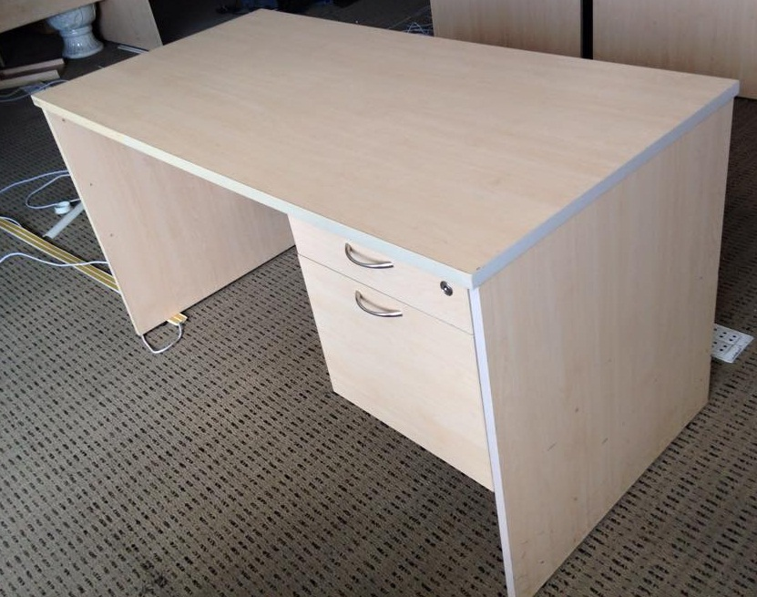 Mua thanh lý bàn ghế nhân viên văn phòng giá rẻ tại Duy Phát 1