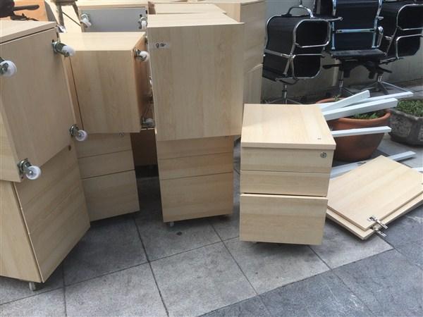 Thanh lý hộc di động 3 ngăn khéo mới 98%Thanh lý hộc di động 3 ngăn khéo mới 98%