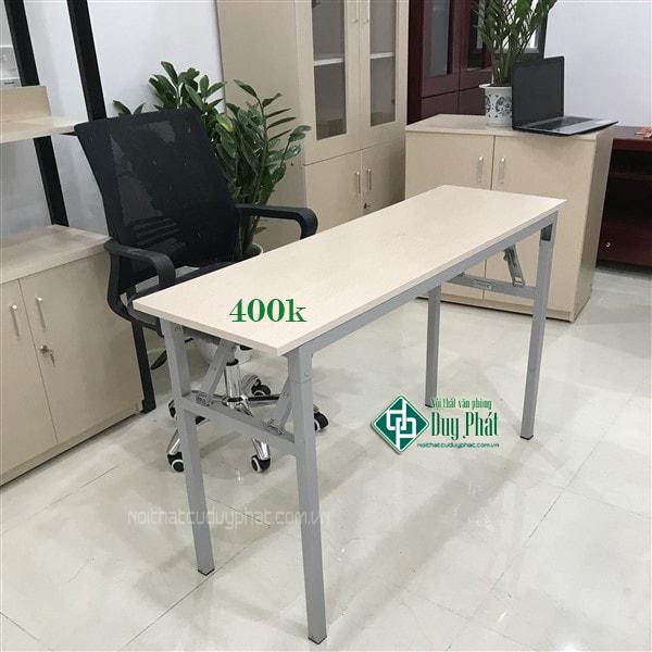 Bàn làm việc chân sắt gỗ cao su được rất nhiều khách hàng lựa chọn để sử dụng trong các văn phòng hoặc tại gia đình. Với thiết kế đơn giản nhưng lại sử dụng chất liệu bền chắc nên có tuổi thọ cao và đặc biệt tránh được nhiều tác động từ bên ngoài.