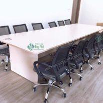 Thanh lý bàn họp văn phòng vân sồi – Mới 100% (BHVS1250)
