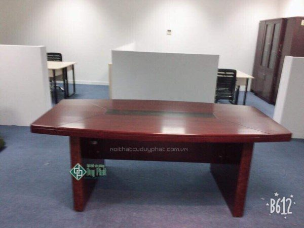 Thanh lý bàn họp sơn PU 1.2mx2.4m mới 100% giá cực rẻ (BHPU2100)