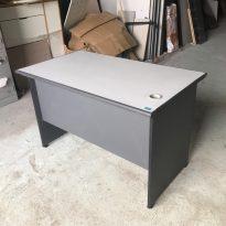 thanh lý bàn làm việc hòa phát màu ghi không hộc kt 70x1m2 mới 99%