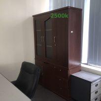 thanh lý 1 tủ giám đốc màu cánh gián kt rộng 1m4 cao 2m sâu 45cm