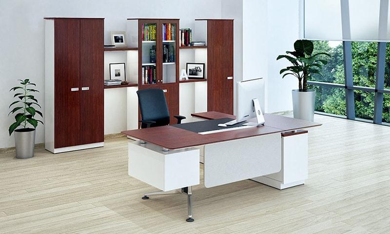 Chọn bàn giám đốc cho sếp nữ như thế là chuẩn?