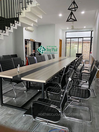 Lắp đặt bàn ghế văn phòng trọn gói
