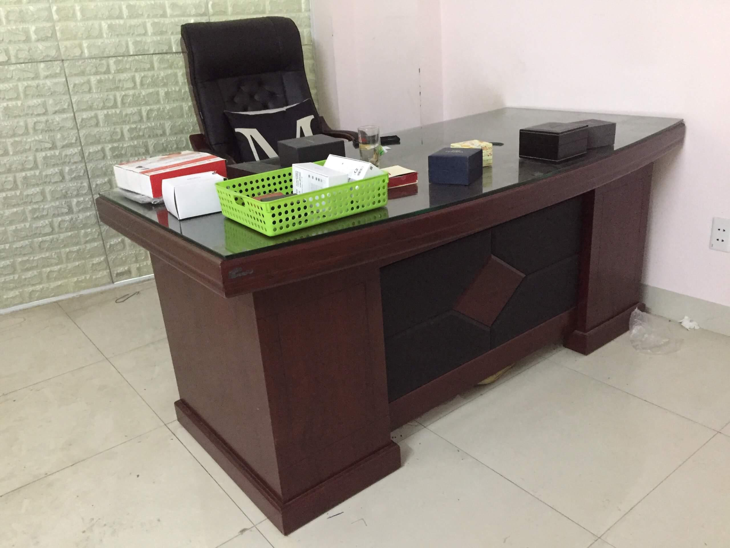 Hướng đặt bàn làm việc nữ tuổi Đinh Mão mang nhiều tài lộc