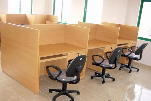 Các mẫu bàn làm việc văn phòng có vách ngăn đẹp nhất